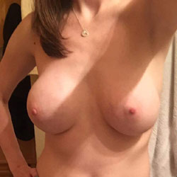 Stripping After Work - Nude Girls, Big Tits, Amateur, Girls Stripping