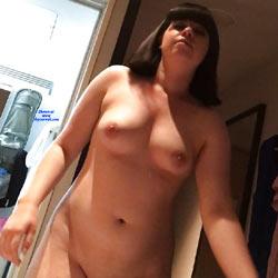 Sexy Erica Bares It All - Big Tits, Brunette, Amateur