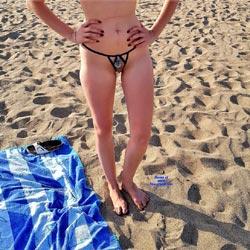 En La Playa - Beach, Outdoors, Shaved, Amateur