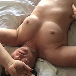 Medium tits of my girlfriend - Everyday Mom