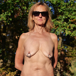 Dogging - Nude Amateurs, Shaved, Body Piercings, Outdoors, Mature