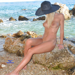 Fun In The Sun - Nude Girls, Beach, Big Tits, Blonde, Outdoors, Shaved, Amateur