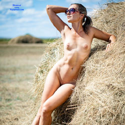 Harvesting - Nude Wives, Outdoors, Amateur