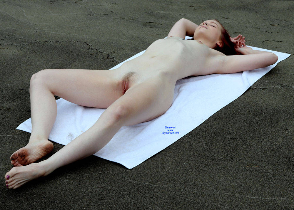 Pic #8 Beach Shoot - Nude Girls, Beach, Outdoors, Redhead, Amateur, Firm Ass
