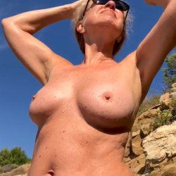 Medium tits of my girlfriend - Helena