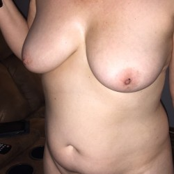 Medium tits of my wife - The wife and her tatas