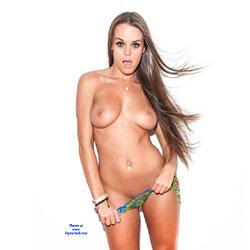 Rahyndee And Her Bikini - Topless Girls, Big Tits, Brunette, Amateur