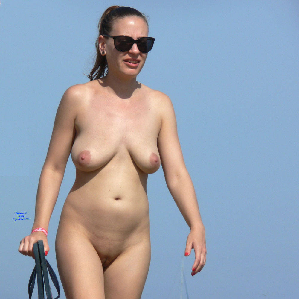 Pic #8 Paradise Beach - Nude Girls, Beach, Big Tits, Brunette, Outdoors, Shaved, Bush Or Hairy, Beach Voyeur