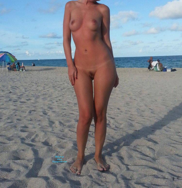 Teen amateur nude spreading