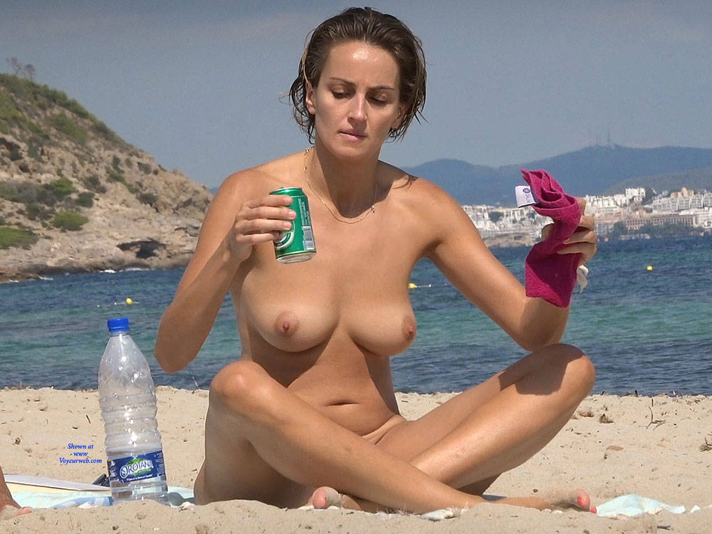 Pic #1 Nice Shapes - Nude Girls, Beach, Big Tits, Brunette, Outdoors, Beach Voyeur