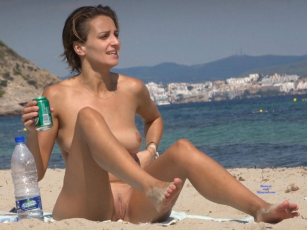 Pic #2 Nice Shapes - Nude Girls, Beach, Big Tits, Brunette, Outdoors, Beach Voyeur