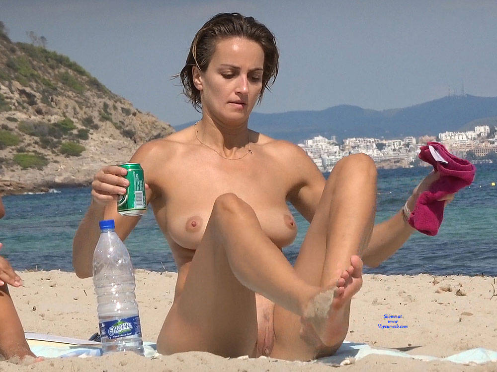 Pic #3 Nice Shapes - Nude Girls, Beach, Big Tits, Brunette, Outdoors, Beach Voyeur