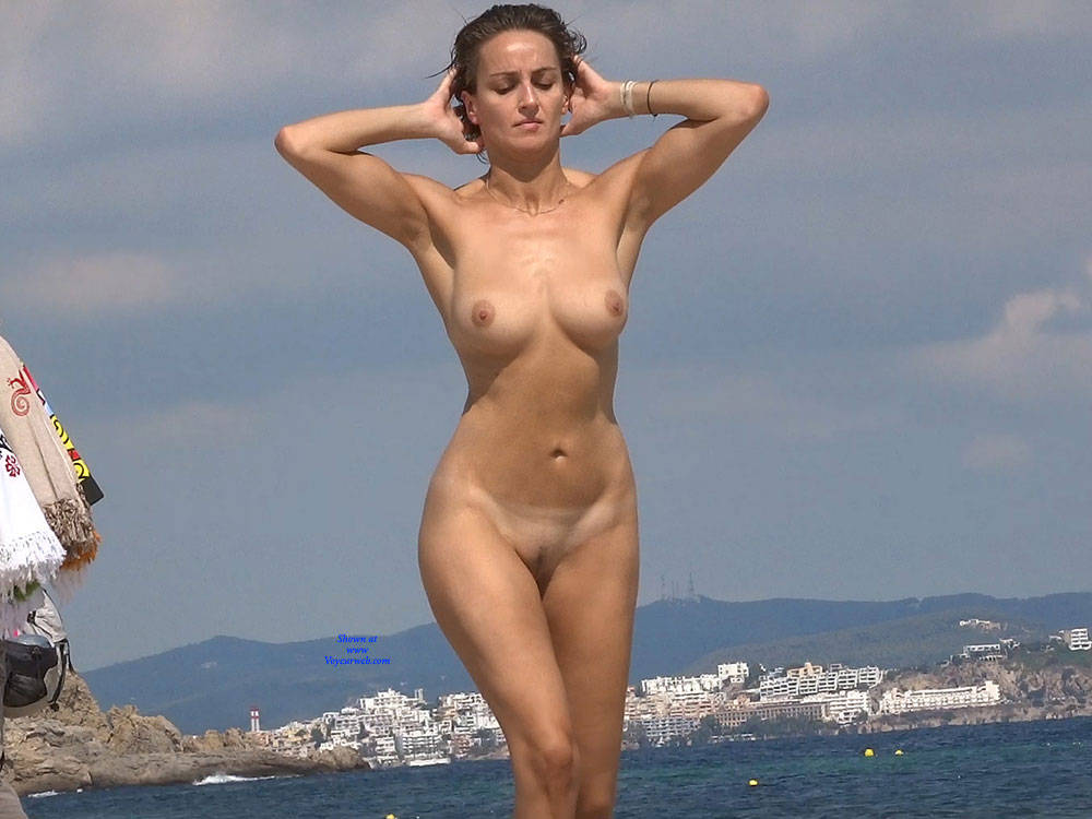 Pic #5 Nice Shapes - Nude Girls, Beach, Big Tits, Brunette, Outdoors, Beach Voyeur