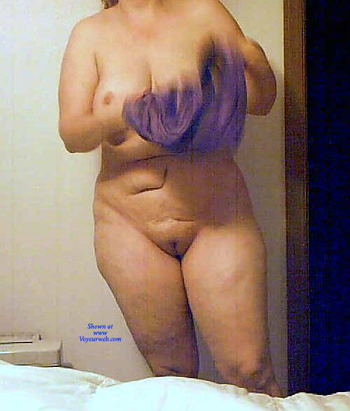 Wife naked pi