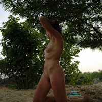 Sexy Outdoor - Brunette