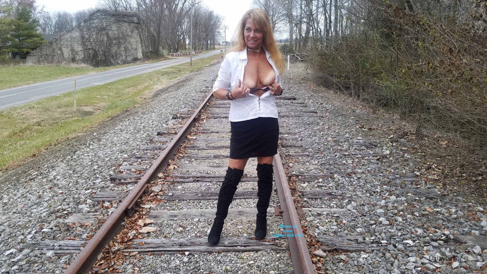 Pic #5 Daizy Playing On The Cold Railroad Tracks - Big Tits, Outdoors, Shaved, Amateur
