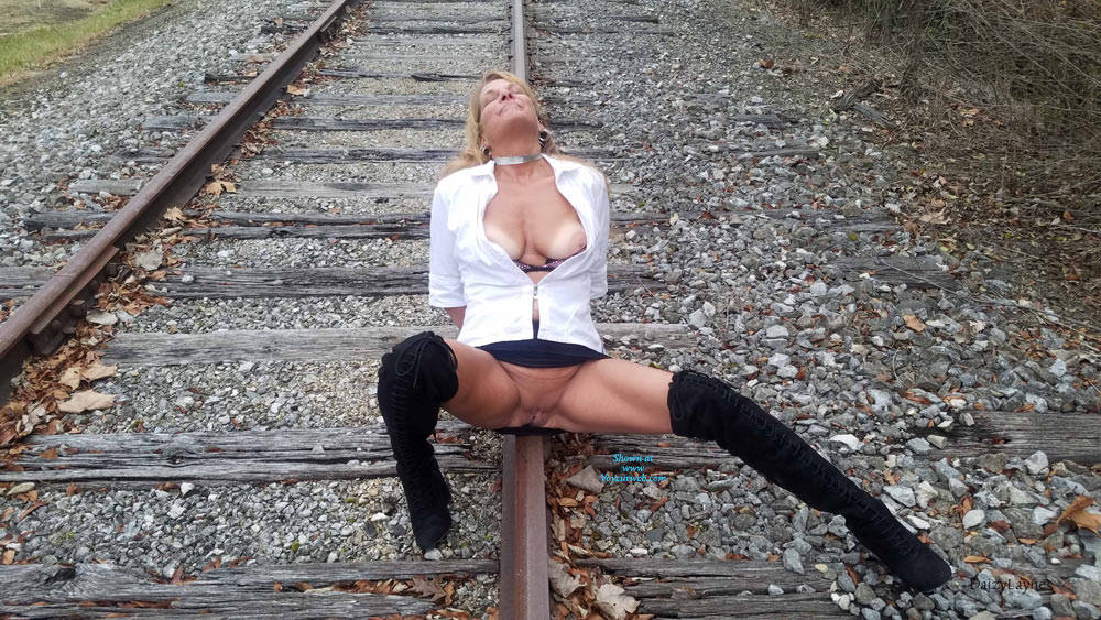 Pic #8 Daizy Playing On The Cold Railroad Tracks - Big Tits, Outdoors, Shaved, Amateur