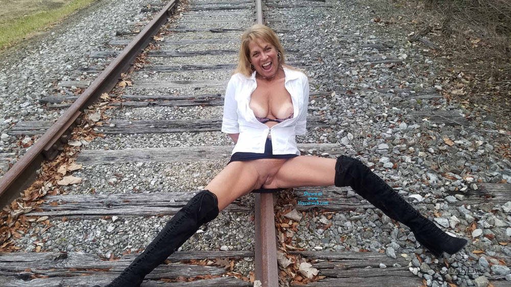 Pic #10 Daizy Playing On The Cold Railroad Tracks - Big Tits, Outdoors, Shaved, Amateur