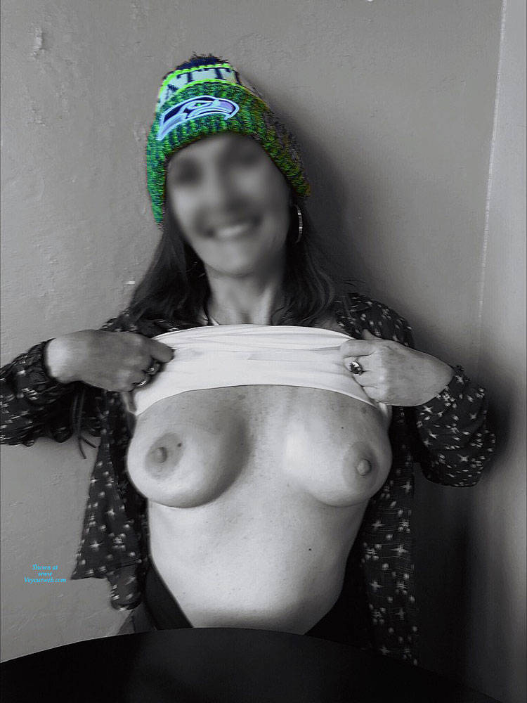 Pic #5 Halftime Show At Fav Bar In AZ - Big Tits, Public Exhibitionist, Flashing, Public Place, See Through, Amateur