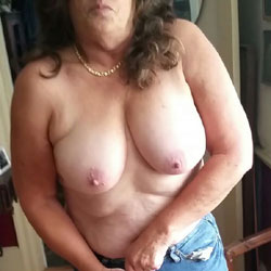 Blue Jeans  - Topless Wives, Big Tits, Mature, Amateur