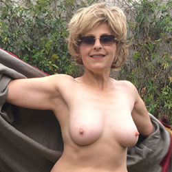 Lady Bee's Dreamcoat - Nude Girls, Big Tits, Mature, Outdoors, Bush Or Hairy, Amateur