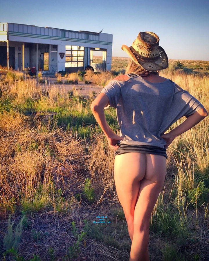 Pic #5 Nirvana Texas Cowgirl - Nude Girls, Public Exhibitionist, Outdoors, Small Tits, Amateur