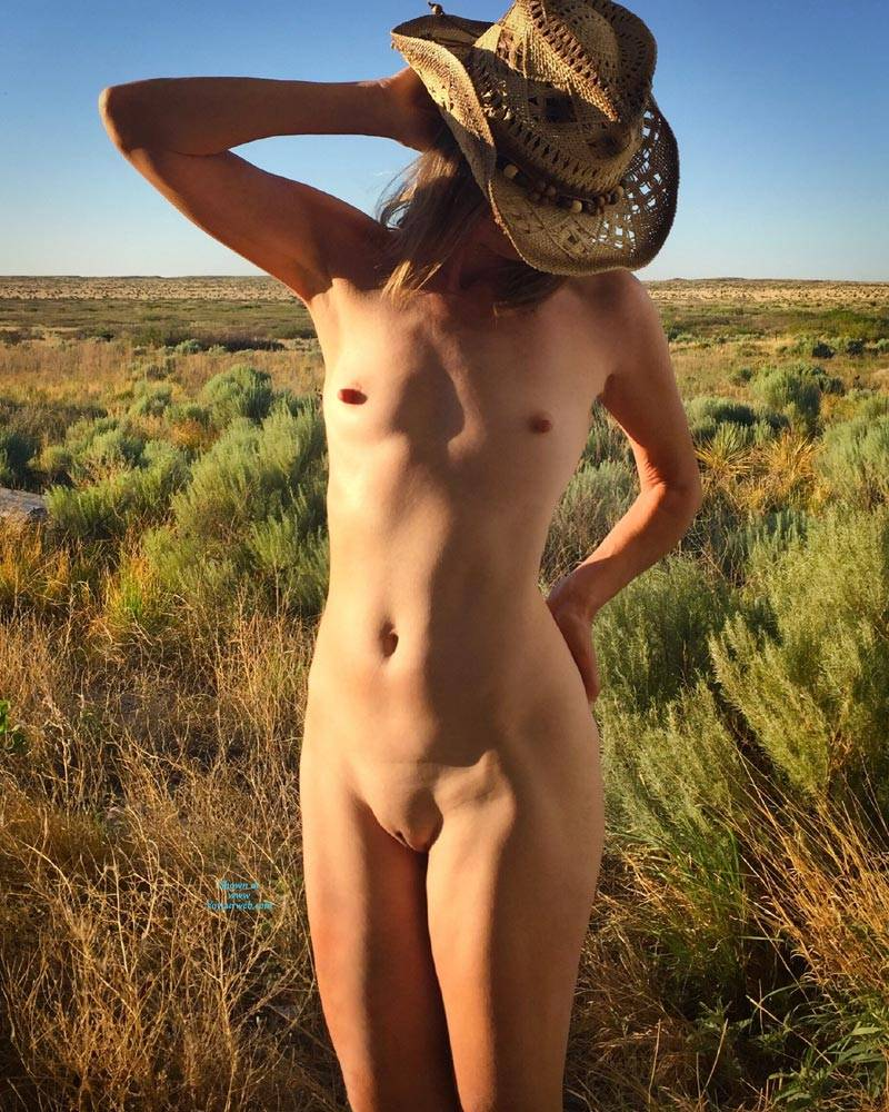 Pic #7 Nirvana Texas Cowgirl - Nude Girls, Public Exhibitionist, Outdoors, Small Tits, Amateur