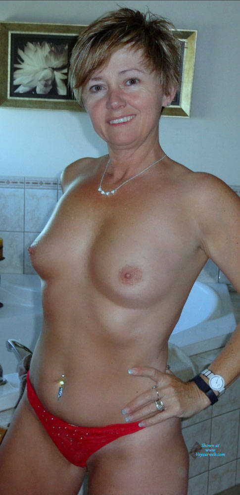 Real mature wives nude