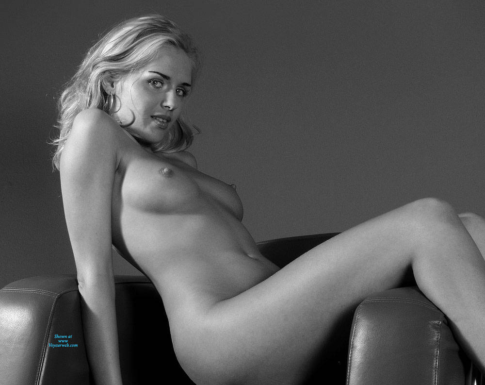 Pic #3 BW Girl - Nude Girls, Big Tits, Amateur