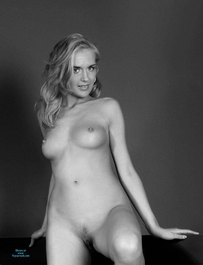 Pic #8 BW Girl - Nude Girls, Big Tits, Amateur