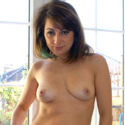 Anna  New Hair Do And New Outfit - Nude Girls, Big Tits, Brunette, Bush Or Hairy, Amateur