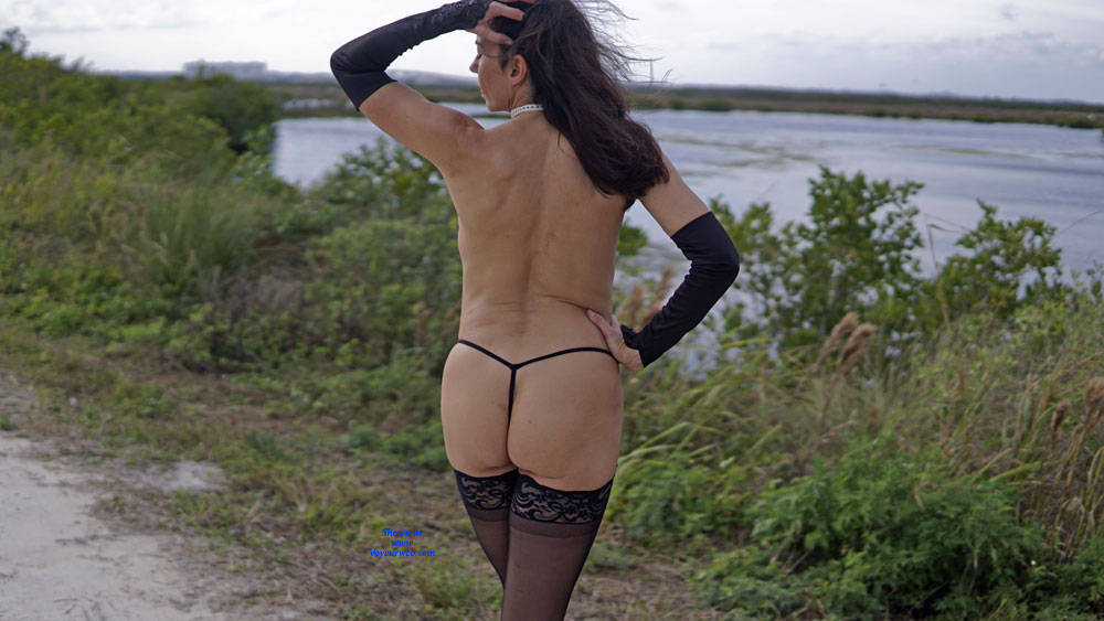 Pic #3 Missy At The Refuge - Nude Girls, Lingerie, Outdoors, Amateur, Wives In Lingerie, Firm Ass