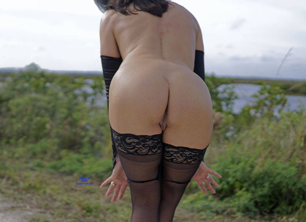 Pic #6 Missy At The Refuge - Nude Girls, Lingerie, Outdoors, Amateur, Wives In Lingerie, Firm Ass