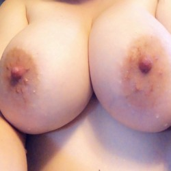 Very large tits of my wife - Happy Happy D