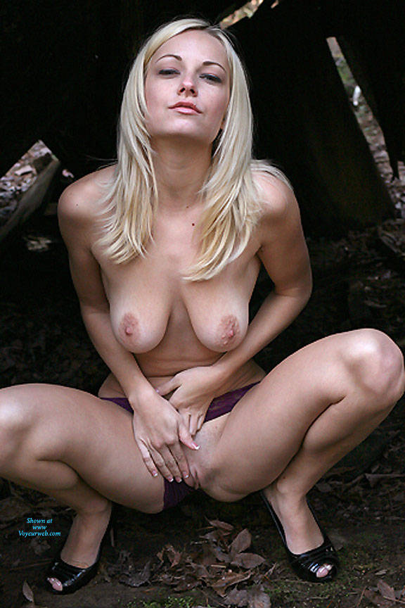 Pic #3 The Shed - Nude Girls, Big Tits, Blonde, Shaved, Amateur