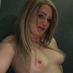 Marie69 Gets Naked - Nude Girls, Mature, Amateur