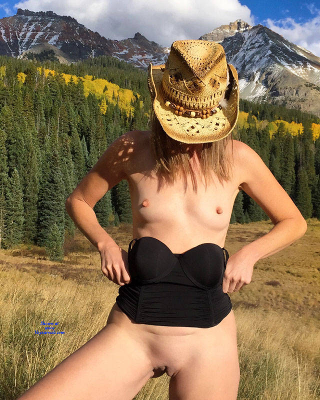 Pic #6 Nirvana Pleated Skirt - Nude Girls, Outdoors, Small Tits, Shaved, Nature, Amateur, Girls Stripping