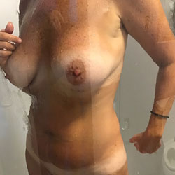 Shower Time - Big Tits, Mature, Amateur, Wet Tits