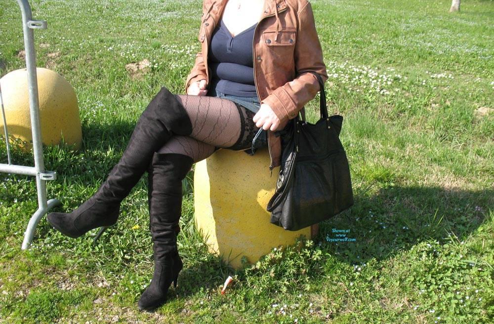 Pic #4 Uscita Al Parco - Lingerie, Outdoors, Amateur, Stockings Pics