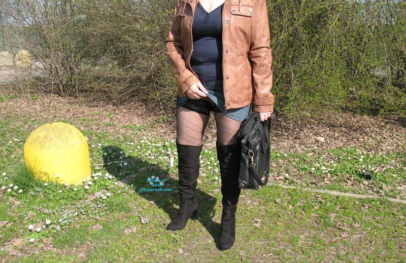 Pic #5 Uscita Al Parco - Lingerie, Outdoors, Amateur, Stockings Pics