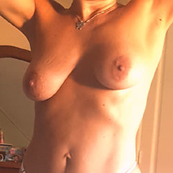 Whites - Topless Wives, Big Tits, Mature, Amateur