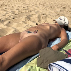 Sarah On The Beach - Nude Wives, Beach, Outdoors, Shaved, Amateur, Tattoos