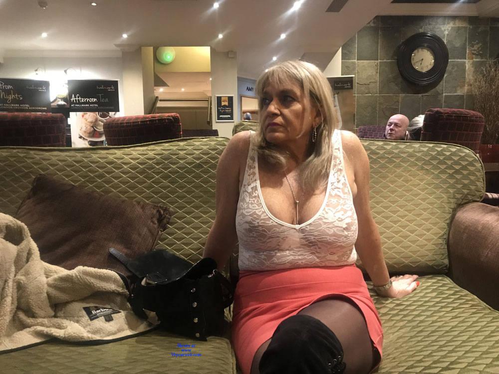 Pic #3 Croydon Hotel - Big Tits, Blonde, Public Exhibitionist, Flashing, Public Place, Amateur, See Through