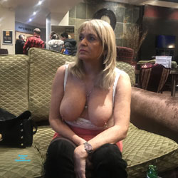 Croydon Hotel - Big Tits, Blonde, Public Exhibitionist, Flashing, Public Place, Amateur, See Through