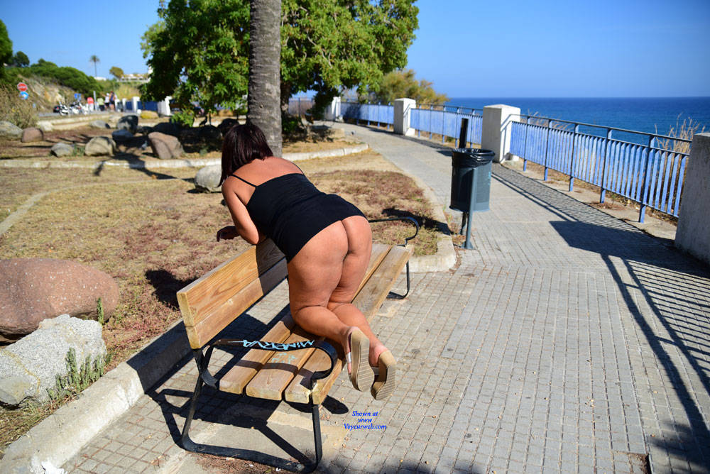 Pic #9 In Strada - Big Tits, Public Exhibitionist, Flashing, Outdoors, Public Place, Amateur, Pantieless Girls