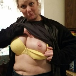 Very small tits of my wife - Flashfri101