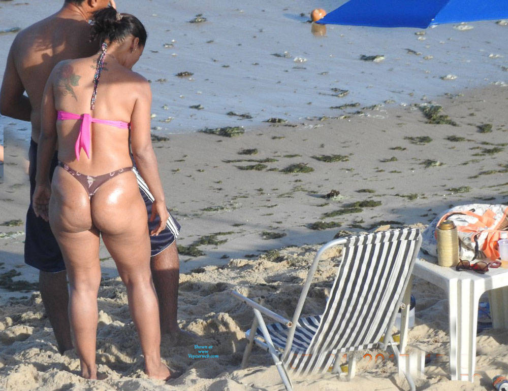Pic #2 Big Ass From Pina Beach - Beach, Brunette, Outdoors, Bikini Voyeur