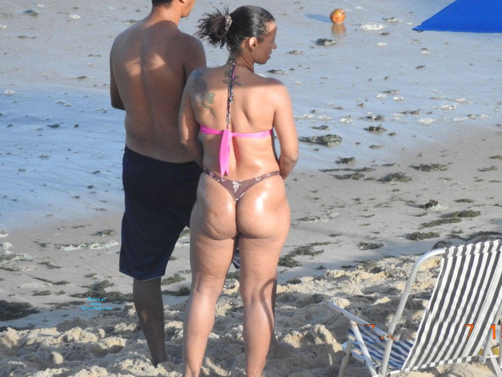 Pic #5 Big Ass From Pina Beach - Beach, Brunette, Outdoors, Bikini Voyeur