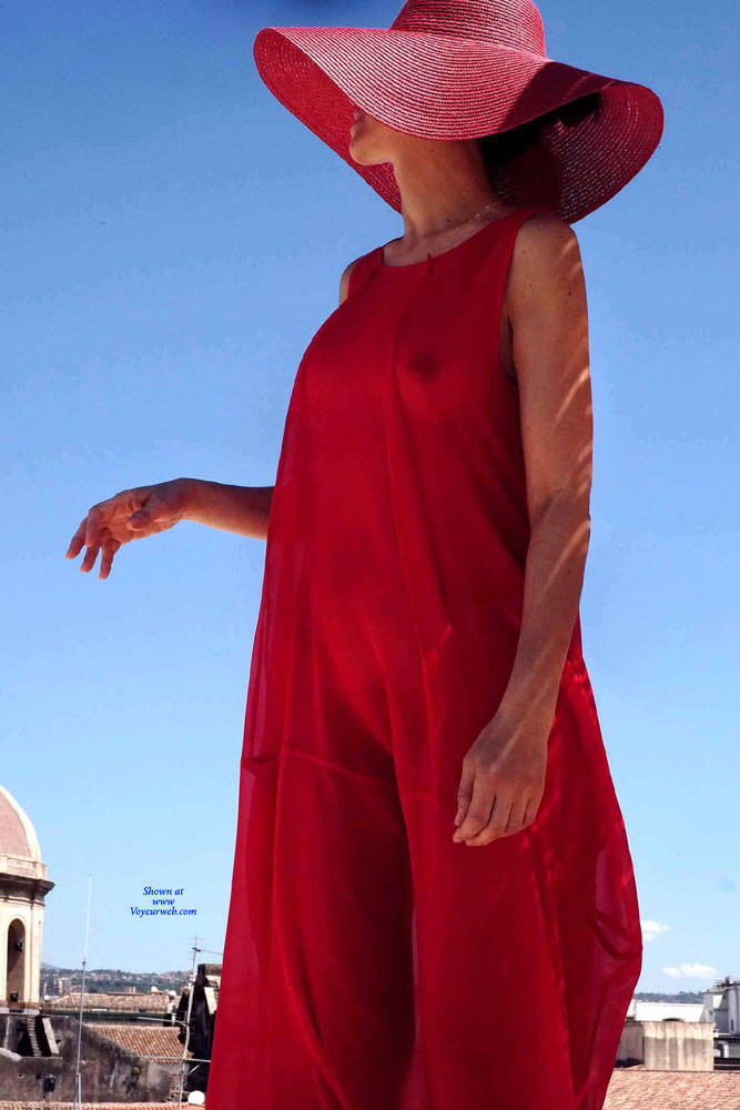 Pic #1 Red Roof Dress - Nude Girls, Public Exhibitionist, Flashing, Outdoors, See Through, Bush Or Hairy, Amateur, High Heels Amateurs, Firm Ass