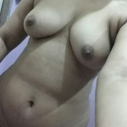 My medium tits - Sadia